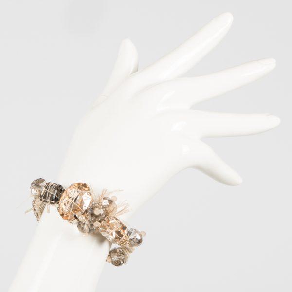 Bracciale con pietra ovale e ottagonali, perle e ciuffi