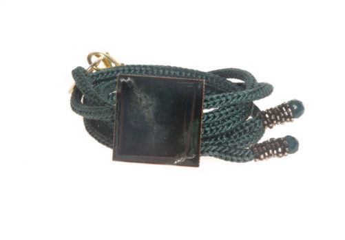 Bracciale cordone con piastra in rame e resina verde