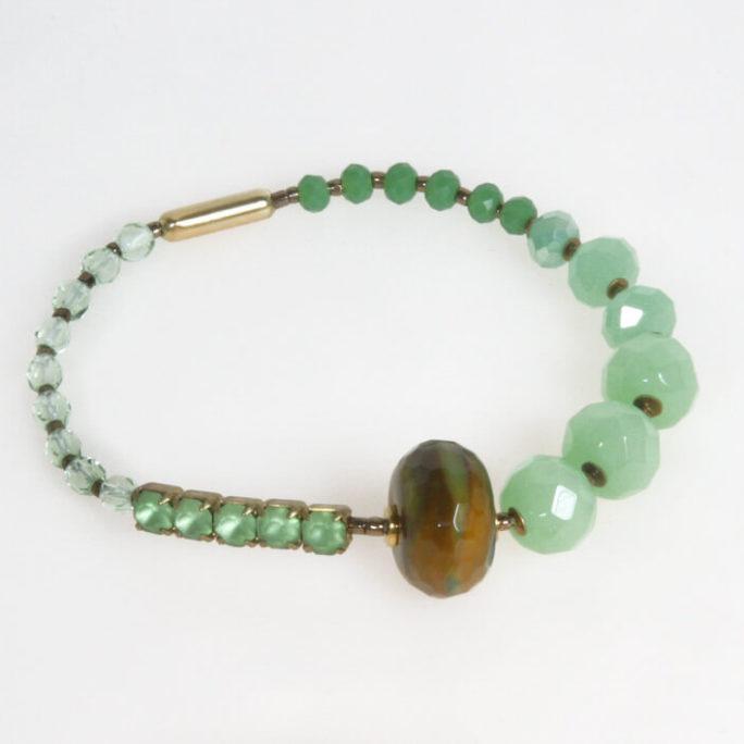 Bracciale elastico in cristallo verde e pietra dura