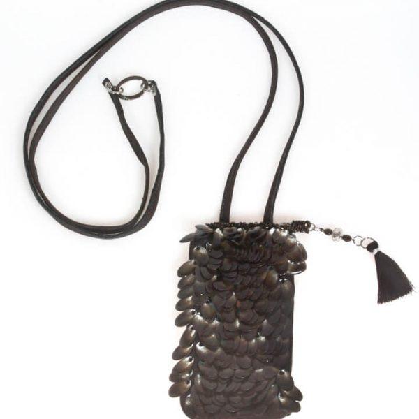 Porta cellulare a tracolla in pelle con paillettes marrone e trasparenti