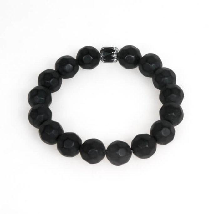 Bracciale elastico unisex con perle in resina e cristallo nero