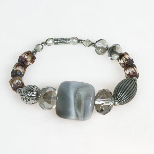 Bracciale con perle cristallo color caffè e pietra dura