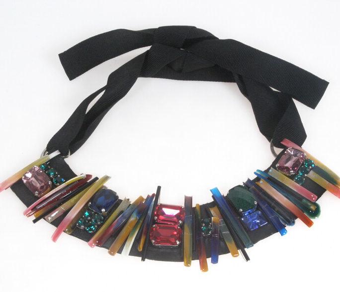 Collana girocollo bacchette multicolor e Swarovski